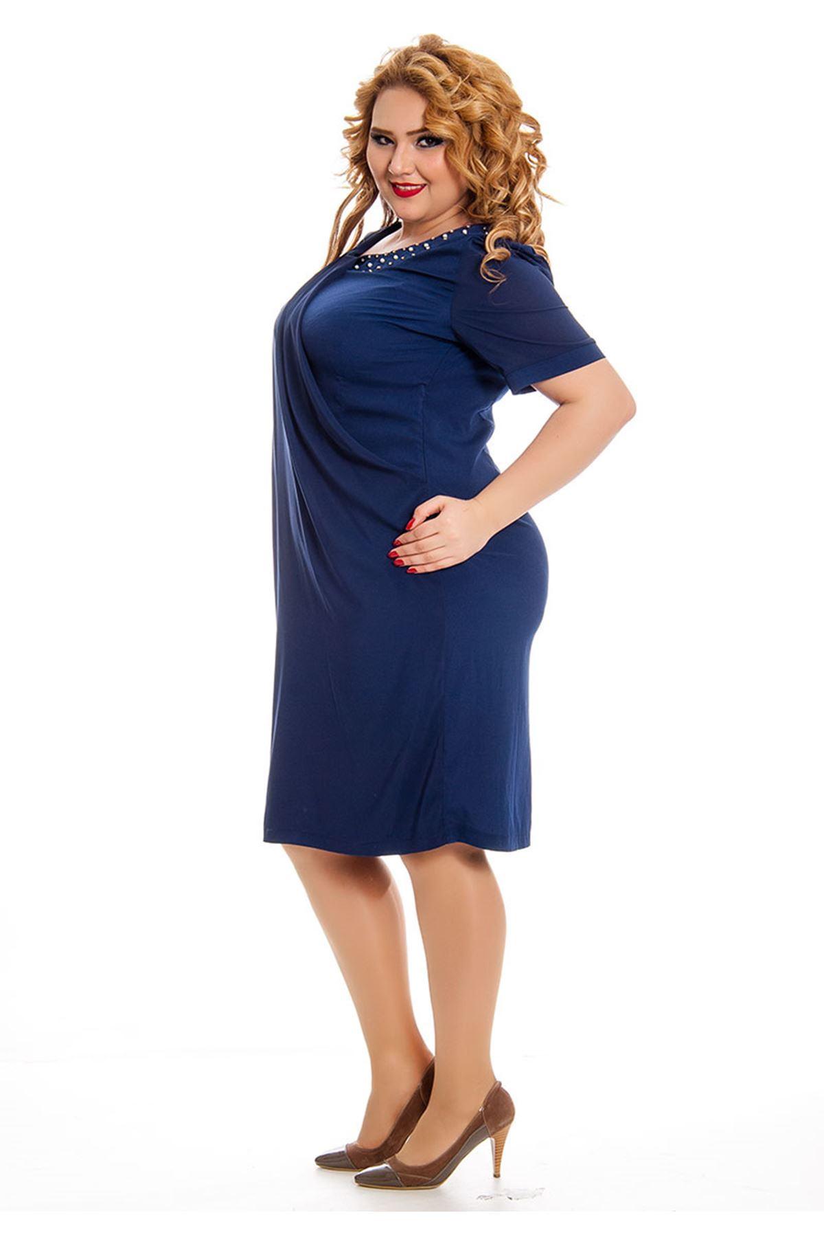 Büyük Beden Yaka Taşlı Şifon Detaylı Kadın Elbise I4-130758