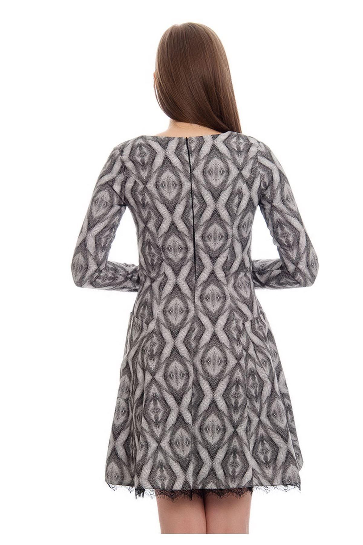 Siyah-Beyaz Desenli Dantel Detaylı Kadın Elbise J5-121975